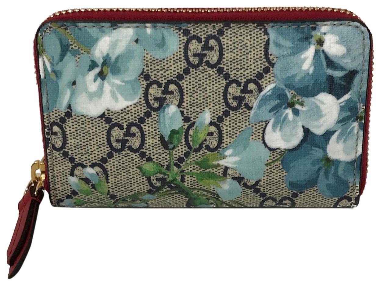 2ead8f1fe The Gucci Bengal zip card case a part of the Gucci Cruise 2017 Collection.  In my view